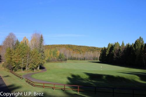 Youngs Golf & Recreation - 18 hole golf course, 4 minutes from Chicaugon Lake Inn