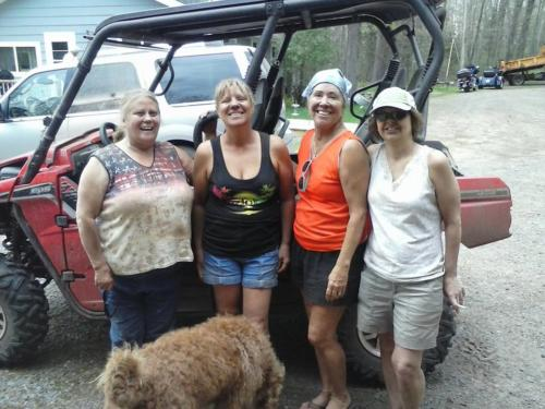 Muddin-with-the-girls